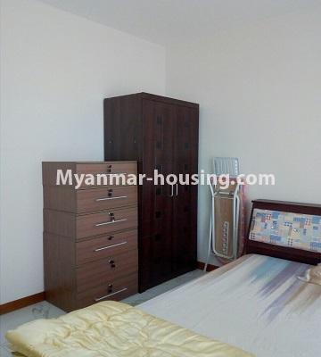 မြန်မာအိမ်ခြံမြေ - ရောင်းမည် property - No.3331 - သန်လျင်တွင် ပြင်ဆင်ပြီး ပရိဘောဂပါသော အိပ်ခန်းတစ်ခန်းပါသော ကွန်ဒိုခန်း ရောင်းရန်ရှိသည်။ - another view of bedroom