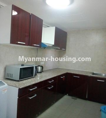 မြန်မာအိမ်ခြံမြေ - ရောင်းမည် property - No.3331 - သန်လျင်တွင် ပြင်ဆင်ပြီး ပရိဘောဂပါသော အိပ်ခန်းတစ်ခန်းပါသော ကွန်ဒိုခန်း ရောင်းရန်ရှိသည်။ - kitchen view