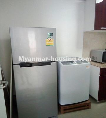 မြန်မာအိမ်ခြံမြေ - ရောင်းမည် property - No.3331 - သန်လျင်တွင် ပြင်ဆင်ပြီး ပရိဘောဂပါသော အိပ်ခန်းတစ်ခန်းပါသော ကွန်ဒိုခန်း ရောင်းရန်ရှိသည်။ - washing machine and fridge