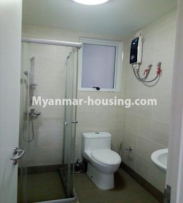 မြန်မာအိမ်ခြံမြေ - ရောင်းမည် property - No.3331 - သန်လျင်တွင် ပြင်ဆင်ပြီး ပရိဘောဂပါသော အိပ်ခန်းတစ်ခန်းပါသော ကွန်ဒိုခန်း ရောင်းရန်ရှိသည်။ - bathroom view