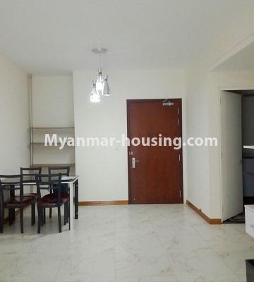 မြန်မာအိမ်ခြံမြေ - ရောင်းမည် property - No.3331 - သန်လျင်တွင် ပြင်ဆင်ပြီး ပရိဘောဂပါသော အိပ်ခန်းတစ်ခန်းပါသော ကွန်ဒိုခန်း ရောင်းရန်ရှိသည်။ - dining area