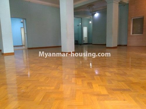 Myanmar real estate - for sale property - No.3347 - Large University Yeik Mon Condo room for sale in Bahan! - living room area