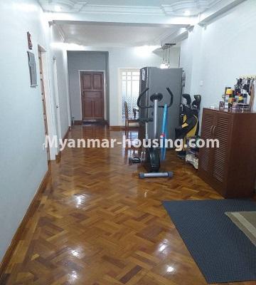 မြန်မာအိမ်ခြံမြေ - ရောင်းမည် property - No.3382 - လှိိုင် ခပေါင်းအိမ်ရာတွင် အခန်းရောင်းရန်ရှိသည်။ - corridor view