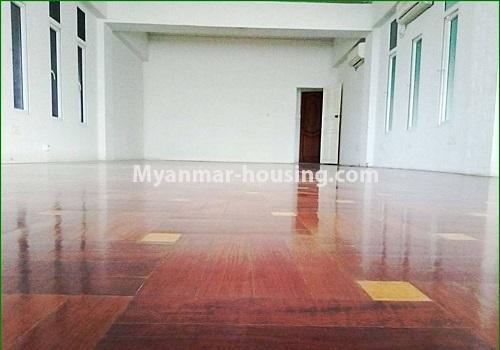 မြန်မာအိမ်ခြံမြေ - ရောင်းမည် property - No.3385 - ဗဟန်းတွင် အိပ်ခန်း ၂၅ခန်းပါသော လုံးချင်းအိမ် ရောင်းရန်ရှိသည်။ - another interior view of the house