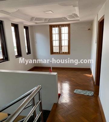 မြန်မာအိမ်ခြံမြေ - ရောင်းမည် property - No.3386 - သန်လျင်တွင် လုံးချင်းအိမ်တစ်လုံး ရောင်းရန်ရှိသည်။ - upstairs view