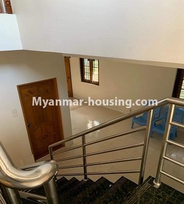 မြန်မာအိမ်ခြံမြေ - ရောင်းမည် property - No.3386 - သန်လျင်တွင် လုံးချင်းအိမ်တစ်လုံး ရောင်းရန်ရှိသည်။ - stair view