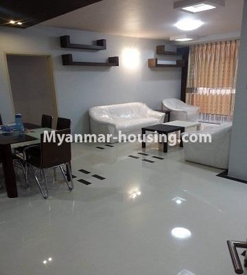 မြန်မာအိမ်ခြံမြေ - ရောင်းမည် property - No.3390 - သန်လျင်တွင် ပြင်ဆင်ပြီး အိပ်ခန်းသုံးခန်းနှင်ပရိဘောဂပါသော ကွန်ဒိုခန်း ရောင်းရန်ရှိသည်။ - living room view