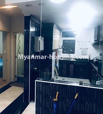 မြန်မာအိမ်ခြံမြေ - ရောင်းမည် property - No.3390 - သန်လျင်တွင် ပြင်ဆင်ပြီး အိပ်ခန်းသုံးခန်းနှင်ပရိဘောဂပါသော ကွန်ဒိုခန်း ရောင်းရန်ရှိသည်။ - kitchen view