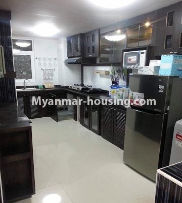 မြန်မာအိမ်ခြံမြေ - ရောင်းမည် property - No.3390 - သန်လျင်တွင် ပြင်ဆင်ပြီး အိပ်ခန်းသုံးခန်းနှင်ပရိဘောဂပါသော ကွန်ဒိုခန်း ရောင်းရန်ရှိသည်။ - another view of kitchen
