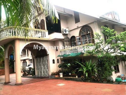မြန်မာအိမ်ခြံမြေ - ရောင်းမည် property - No.3397 - ဗဟန်း ရွေှတောင်ကြားတွင် အိမ်နှစ်လုံး ရောင်းရန်ရှိသည်။ - house view