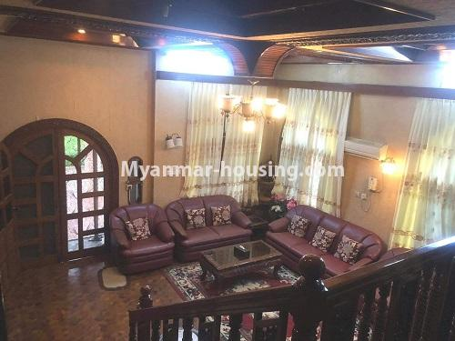 မြန်မာအိမ်ခြံမြေ - ရောင်းမည် property - No.3397 - ဗဟန်း ရွေှတောင်ကြားတွင် အိမ်နှစ်လုံး ရောင်းရန်ရှိသည်။ - living room view