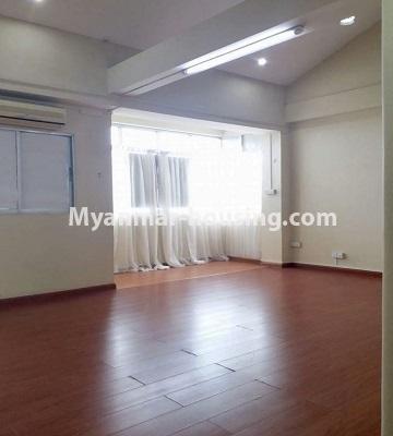 မြန်မာအိမ်ခြံမြေ - ရောင်းမည် property - No.3398 - မြို့ထဲတွင် ပြင်ဆင်ပြီး အိပ်ခန်းသုံးခန်းပါသော ကွန်ဒိုခန်း ရောင်းရန်ရှိသည်။ - another view of living room