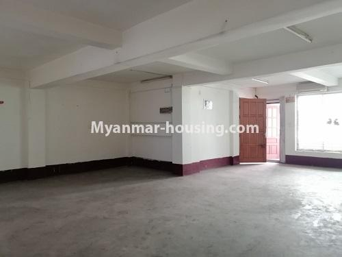 မြန်မာအိမ်ခြံမြေ - ရောင်းမည် property - No.3417 - လမ်းမတော်တွင် လေးလွှာတိုက်ခန်း ရောင်းရန်ရှိသည်။ - hall view
