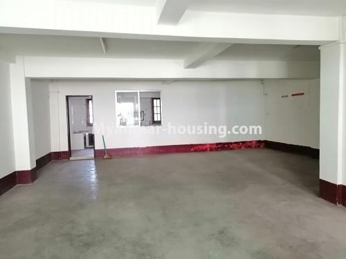 မြန်မာအိမ်ခြံမြေ - ရောင်းမည် property - No.3417 - လမ်းမတော်တွင် လေးလွှာတိုက်ခန်း ရောင်းရန်ရှိသည်။ - another view of hall