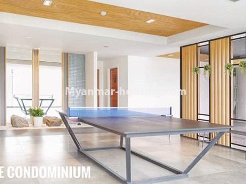 မြန်မာအိမ်ခြံမြေ - ရောင်းမည် property - No.3461 - အဆင့်မြင့်ပြင်ဆင်ထားသည့် အခန်းကျယ်တစ်ခန်း တောင်ဥက္ကလာ Serene ကွန်ဒိုအခန်း ရောင်းရန်ရှိသည်။ - table tennis