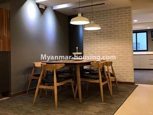 မြန်မာအိမ်ခြံမြေ - ရောင်းမည် property - No.3461 - အဆင့်မြင့်ပြင်ဆင်ထားသည့် အခန်းကျယ်တစ်ခန်း တောင်ဥက္ကလာ Serene ကွန်ဒိုအခန်း ရောင်းရန်ရှိသည်။ - dining area view
