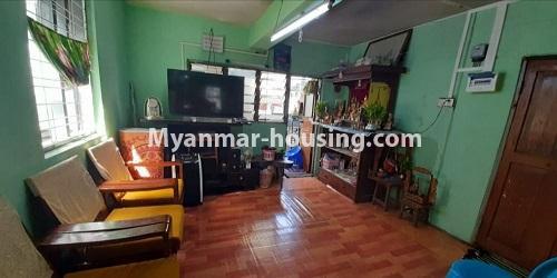 မြန်မာအိမ်ခြံမြေ - ရောင်းမည် property - No.3469 - စမ်းချောင်းတွင် မြေညီထပ်နှင့် ပထမထပ် ရောင်းရန်ရှိသည်။ - upstairs livnig room view