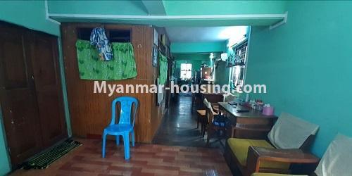 မြန်မာအိမ်ခြံမြေ - ရောင်းမည် property - No.3469 - စမ်းချောင်းတွင် မြေညီထပ်နှင့် ပထမထပ် ရောင်းရန်ရှိသည်။ - upstairs living room and bedrooms view
