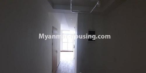မြန်မာအိမ်ခြံမြေ - ရောင်းမည် property - No.3472 - မရမ်းကုန်းတွင် အိပ်ခန်းနှစ်ခန်းပါသော ကွန်ဒိုခန်းအသစ် ရောင်းရန်ရှိသည်။ - hallway view